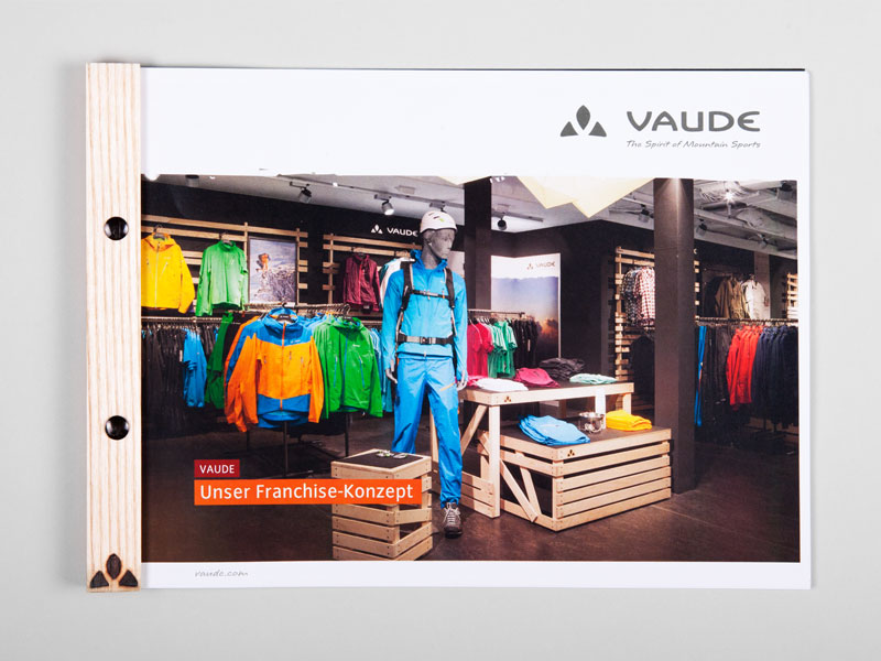 atelier 522 Vaude ISPO 2012 trade fair booth design wood sustainability outdoor print graphic